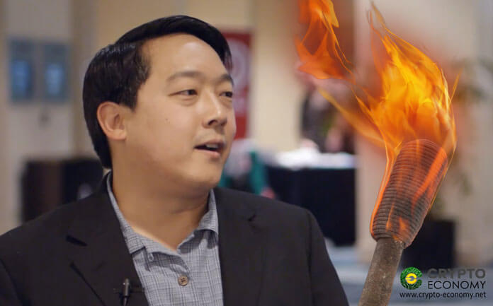 Litecoin [LTC]: Charlie Lee receives the Bitcoin Lightning Torch [BTC] near the end of the chain